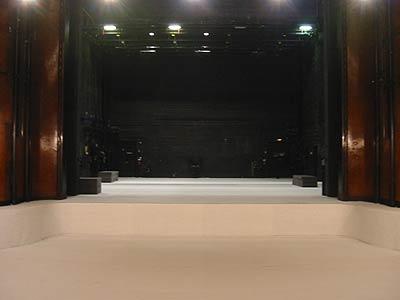 Das Hebbel Theater während der Belagerung Bartleby
